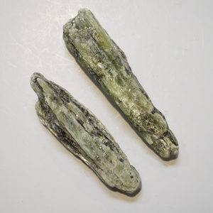 Kyanite green